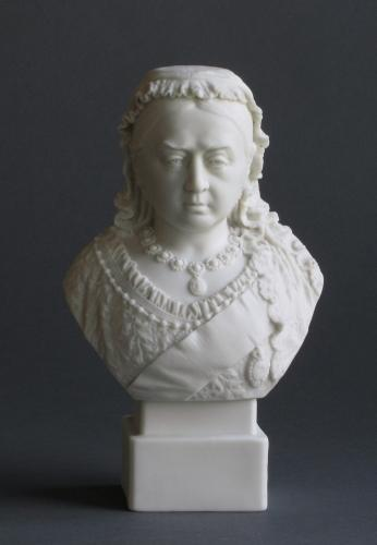 Robinson & Leadbeater bust of Queen Victoria